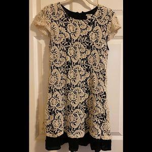 EUC FOREVER 21 lace dress.